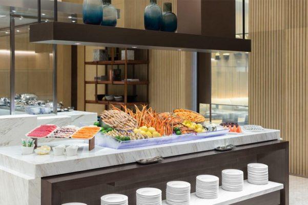 Quầy buffet nhà hàng